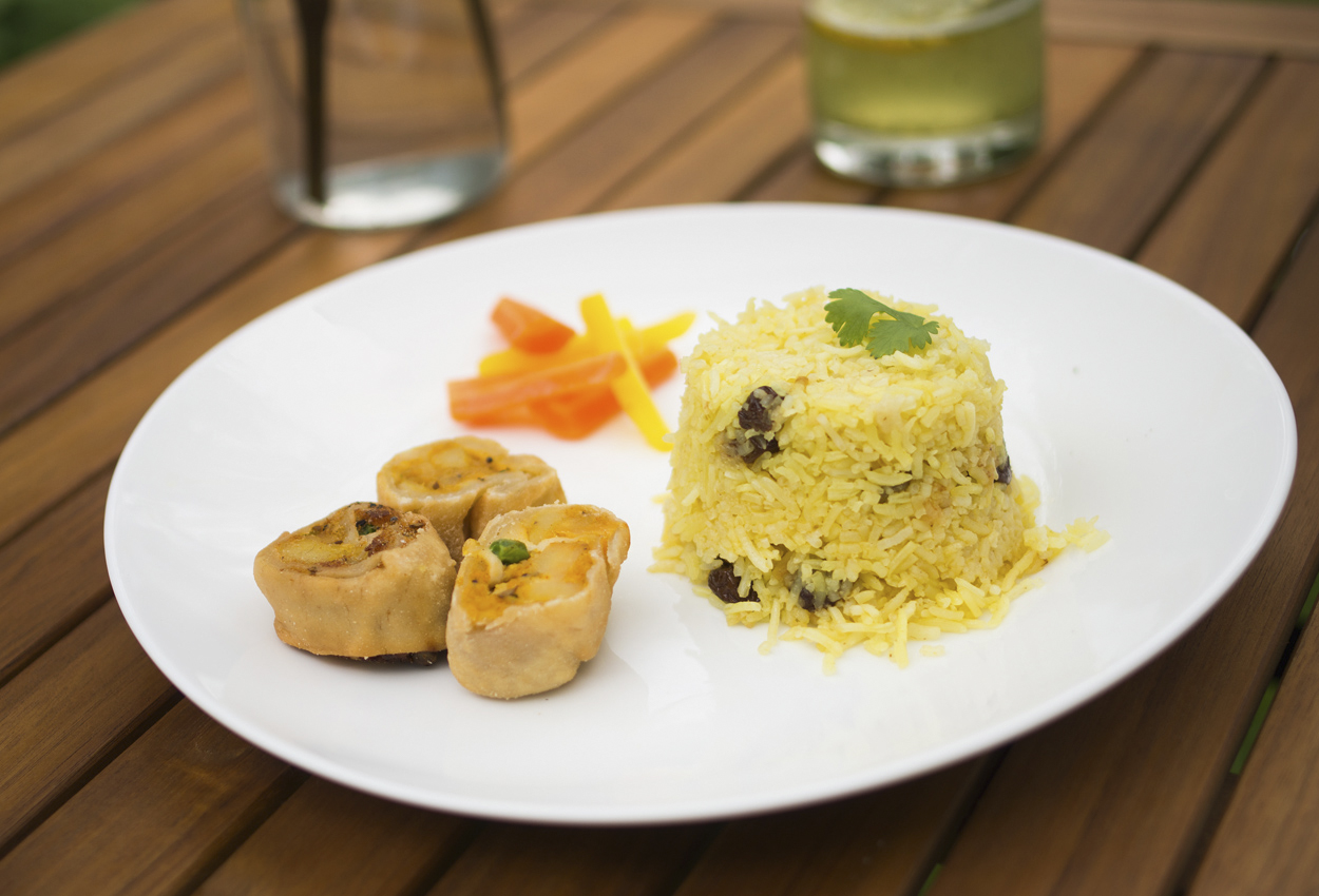 Rice pulao with raisins